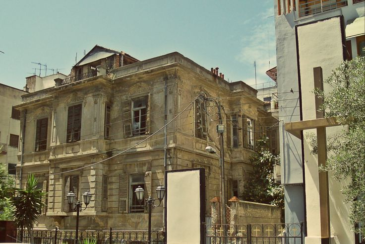 This 1907 house served as the replacement of Italia Yassan Synagogue that was burnt in the great fire of 1917. (Walking Thessaloniki - Route 15, Faliro)