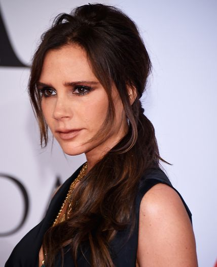 8 Sweat-Proof Hairstyles to Work Out In - Victoria Beckham's Low-Slung Pony from #InStyle