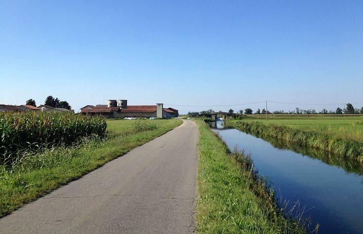 Itinerario ad anello su pista ciclabile navigli lombardi partendo da Milano - Naviglio Grande, Bereguardo e Pavese. Attività in famiglia, viaggi con bambini
