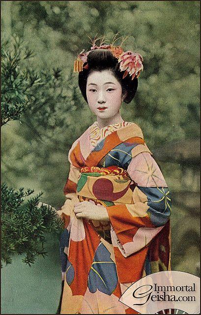 Maiko by Naomi no Kimono Asobi, via Flickr