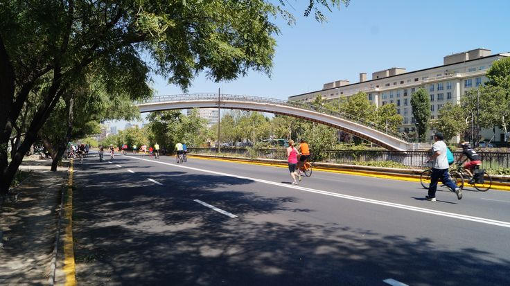 El Puente Racamalac o Puente de los enamorados,más conocido como Puente Condell .