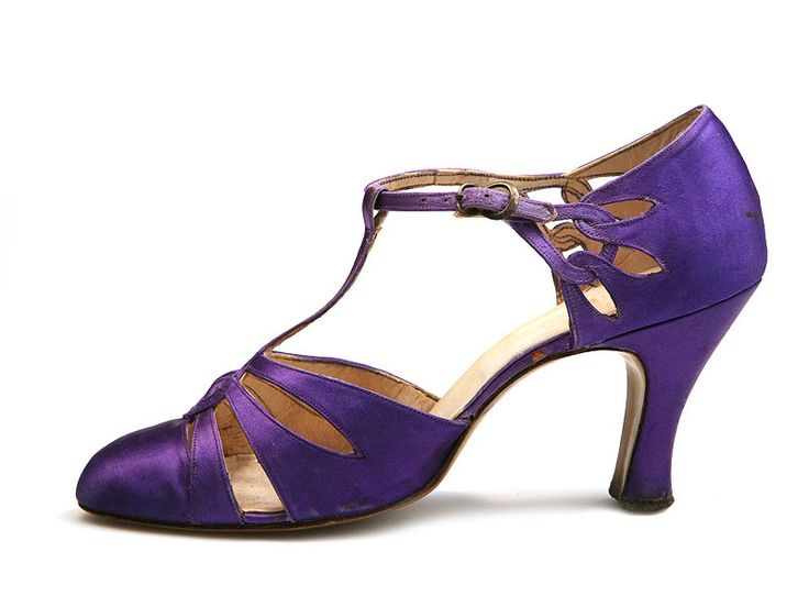 Violet satin T-strap shoes, c. 1926-29.