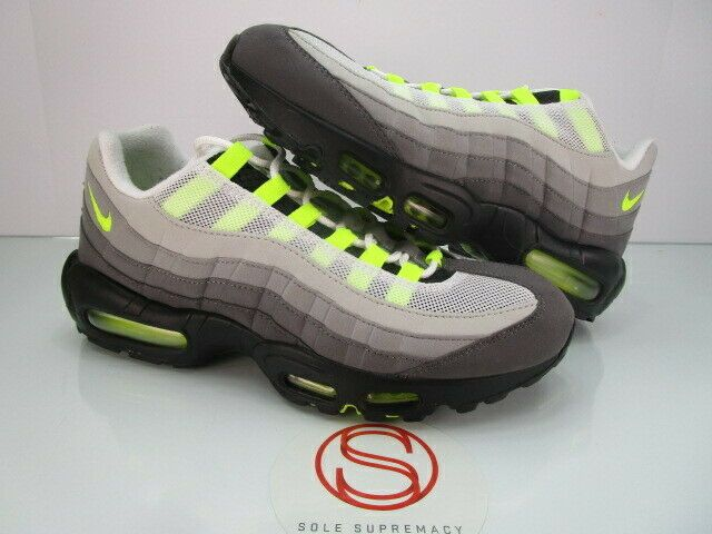 Nike Shoes, Sneakers, & Clothing   SNIPES