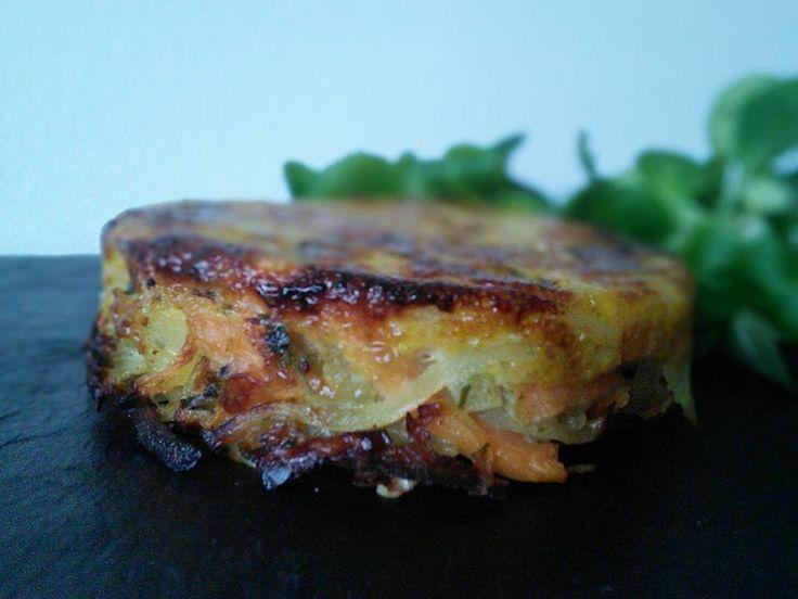 Je profite encore de la saison des patates douces. C'est exquis dans ces galettes. J'ai fait cette recette express pour le soir accompagnée d'un velouté, c'était parfait!. Ingrédients pour 6 : 150 g de pommes de terre 250 g de patates douces (locales!)...
