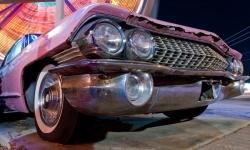 Le côté ancien, robuste et souvent assez confortable des anciennes voitures, reste un attrait pour les collectionneurs.