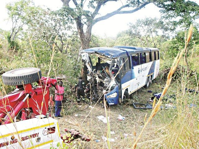 43 perish in Bus crash. . . Zambia-bound bus rams into tree - http://zimbabwe-consolidated-news.com/2017/06/09/43-perish-in-bus-crash-zambia-bound-bus-rams-into-tree/