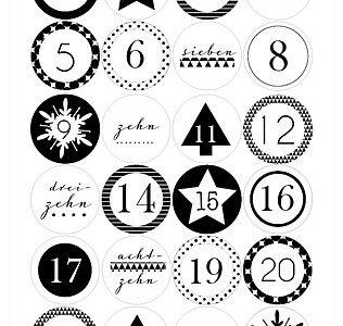 Adventkalender-Zahlen in schwarz/weiß