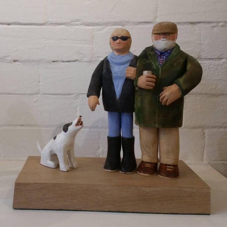 いいね!36件、コメント3件 ― John Butlerさん(@johnbutlerwoodcarver)のInstagramアカウント: 「Couple and dog #woodcarving #carving #sculpture #portrait #wood #limewood #bideford…」