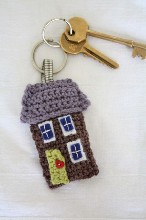 "truebluemeandyou: "" DIY Free Pattern for Little Crochet House. I don't know how to crochet, but want to learn. Free Pattern Download from Emma Varnam here. """