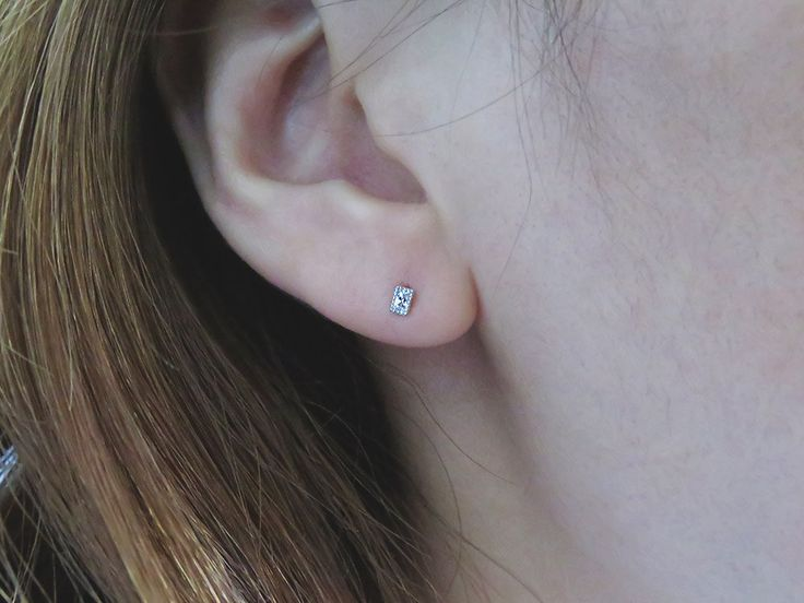 Super Tiny CZ earring/Sterling Silver CZ stud earring/CZ stud earrings/Delicate…
