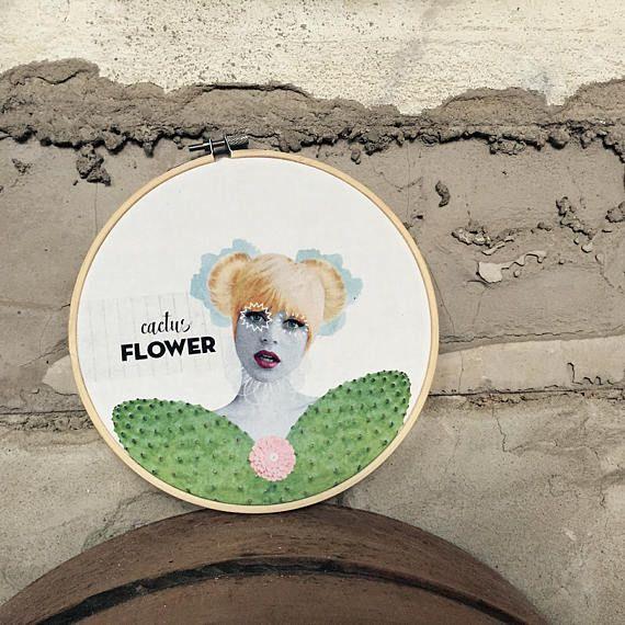 Bollicine sono di dimensioni diverse: 1 - Audrey Hepburn (funny face) - diametro 31 cm 2 - Pola Negri (Lily of the dust) - diametro 16 cm 3 - Goldie Hawn (cactus flower) - diametro 19 cm  Bollicine sono una serie di decorazioni ispirate al mondo del cinema. Quadri illustrati stampati su cotone bianco e montati su un telaio in bambù circolare. Per ora sono disponibili Audrey Hepburn (in funny face), Pola negri (in Lily of the dust) e Goldie Hawn (in cactus flower), tra parentesi i nomi di…