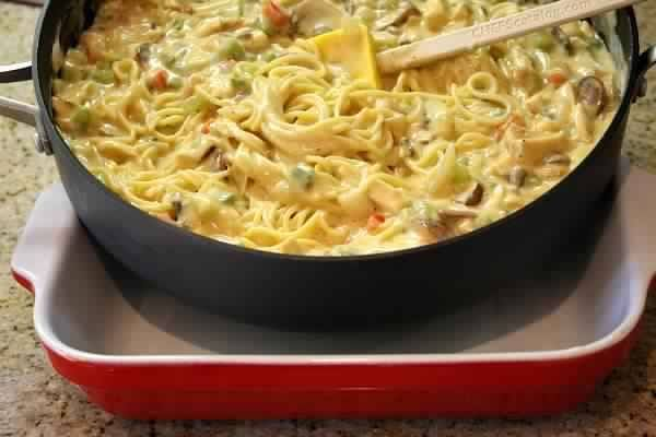 Chicken Spaghetti Casserole, 8 SmartPoints Recipe on Yummly. @yummly #recipe