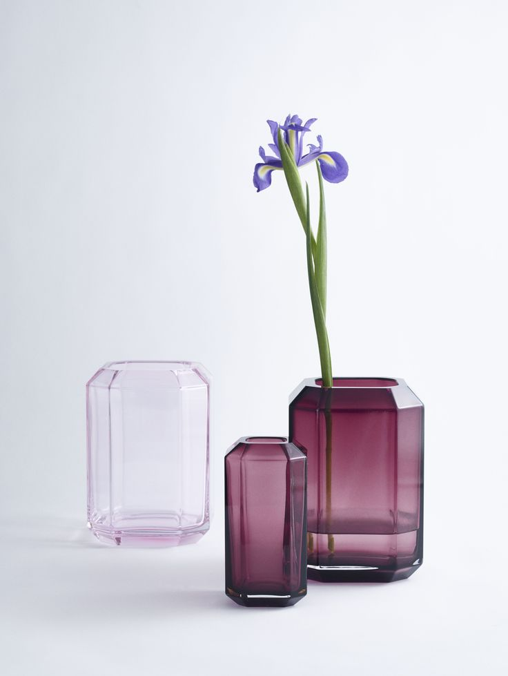 LOUISE ROE SS16 - JEWEL VASES IN MOUTH BLOWN GLASS. DESIGNED IN TWO SIZES,  ONE FOR YOUR FAVORITE FLOWER OR BRANCH AND THE BIGGER VERSION FOR YOUR PERSONAL MIX. IT'S YOUR PRECIOUS STONE IN A FUNCTIONAL MATTER.  LET THE GRANDEUR EMBRACE YOUR HOME WITH THE EDGY COOL CUT OF A VASE.