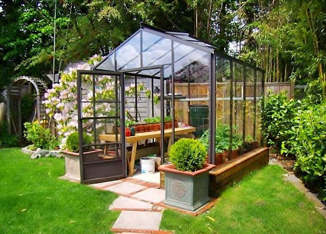 Homemade greenhouse ideas greenhouses homemade and for Build it yourself greenhouse