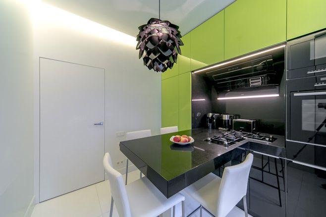 #excll #дизайнинтерьера #решения Лучше использовать этот цвет локально — для покраски одной стены, одного уровня кухни или напольного покрытия.