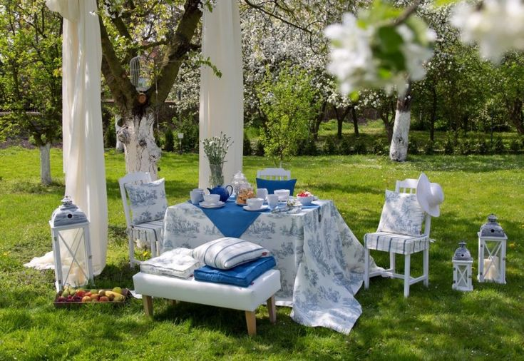 Spring in the garden #dekoriapl #garden #spring #decorations #inspirations #pillows #chairs #table #lovley