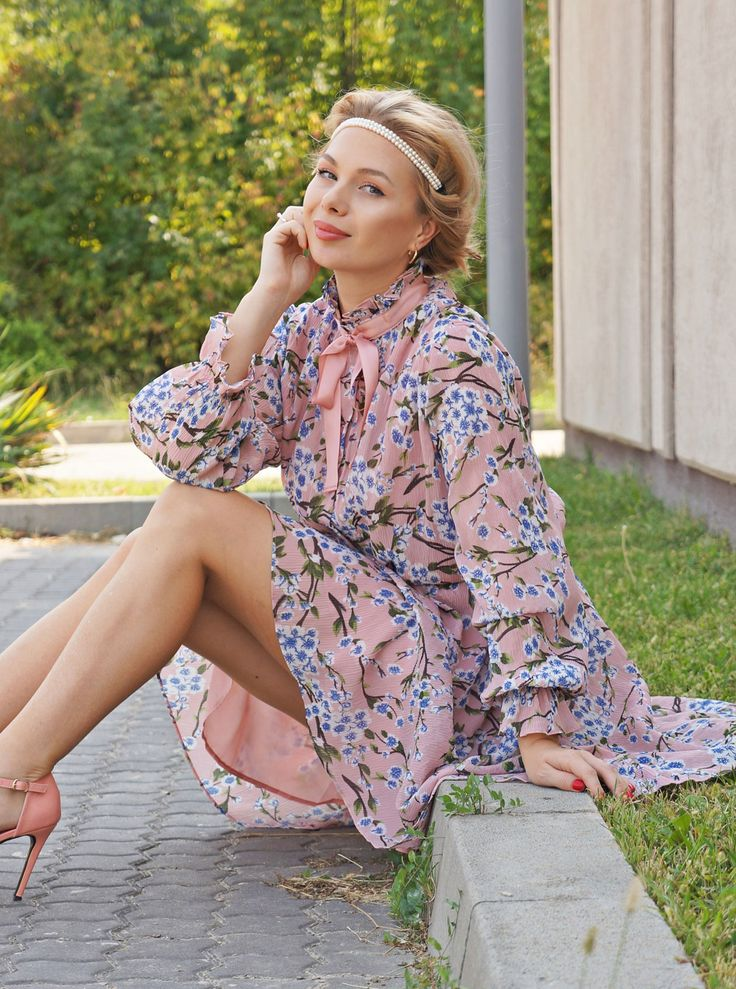 #vintage #style #fashion #dress #floralprint #pearls