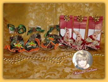 Confezioni di infuso alla frutta decorate con i cappellini portafortuna...tutti rigorosamente muniti di cent. di euro! Un'idea regalo originale ed economica! CAPPELLINI REALIZZATI CON CASTAGNE. https://www.facebook.com/LeBamboleDiMoiraSolena/photos/pb.118843074844159.-2207520000.1450858593./980985825296542/?type=3&theater