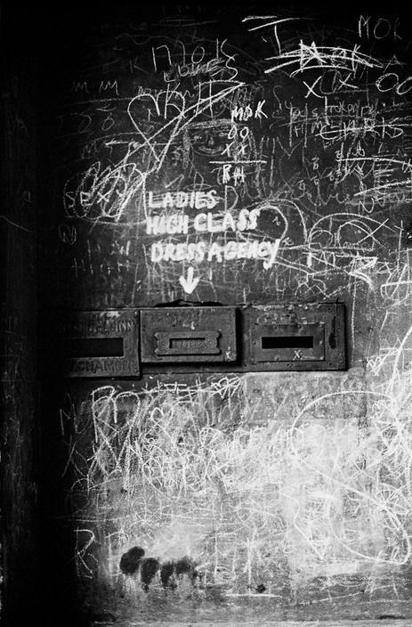 Erich Hartmann IRELAND Dublin 1964 Graffiti near Abbey Theatre