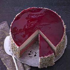 Das Ergebnis der Torte sieht tatsächlich genauso spektakulär aus wie auf dem Foto im Buch und mundet auch den Nicht-Veganern vorzüglich. Allein: die Zubereitungszeit ist enorm und sollte sich jede/…