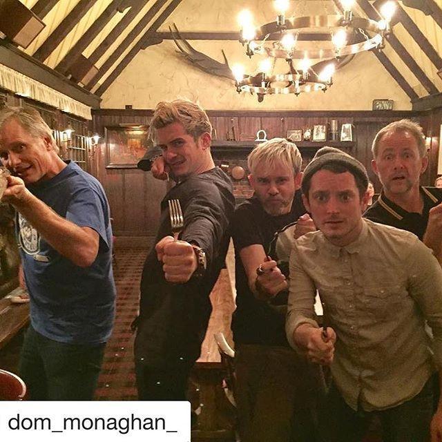 eigacom 中つ国の旅の仲間が再会!フロドに、アラゴルンに、レゴラスに、メリー&ピピンも!! #LOTR #ロードオブザリング  2017/02/01 16:07:01