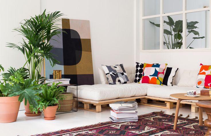 Not a bad look for my future living room. DIY sofa + Hay Bella coffee table + By Lassen Twin table (in copper !) + kilim rug + lots of plants + lots of Marimekko fabrics...
