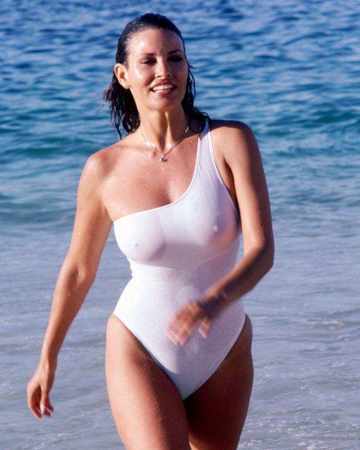 Ingen bh-berømtheder Wet Tee Raquel Welch, berømtheder-8785
