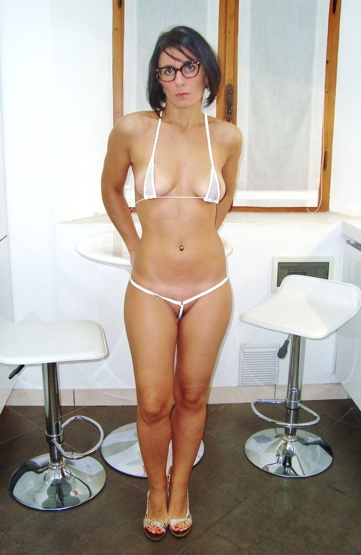 hot chicks naked with glasses