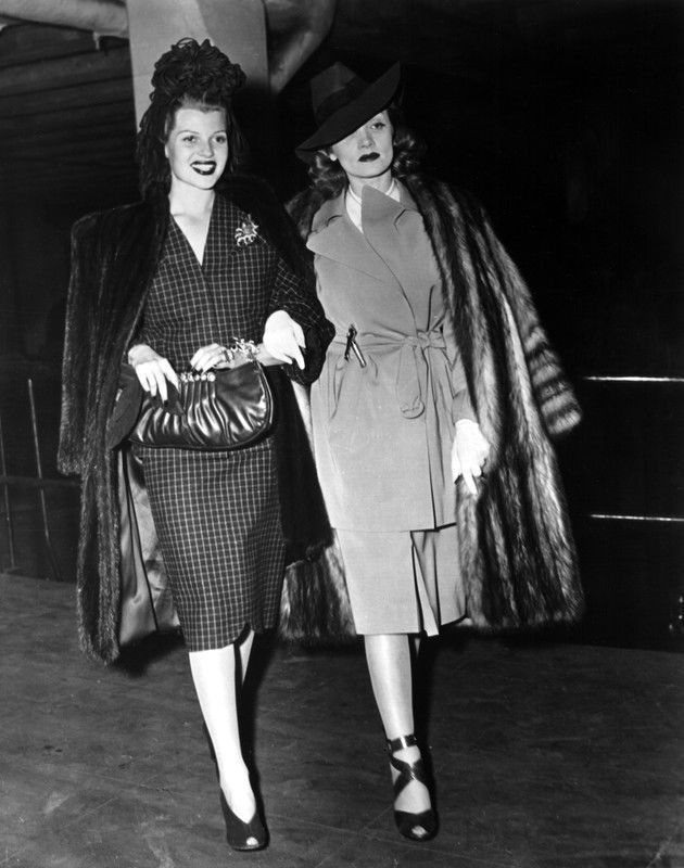 Ikony stylu XX wieku: Rita Hayworth i Marlene Dietrich, lata 40., fot.Courtesy Everett Collection/ East News