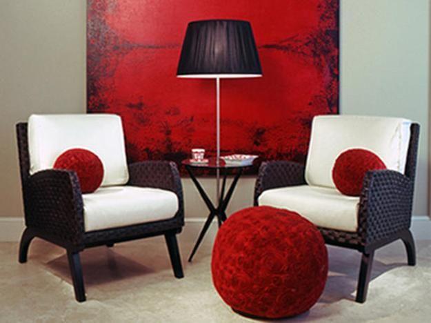 salas de estar projetados e decorados com pintura e objetos decorativos em cores vermelhas