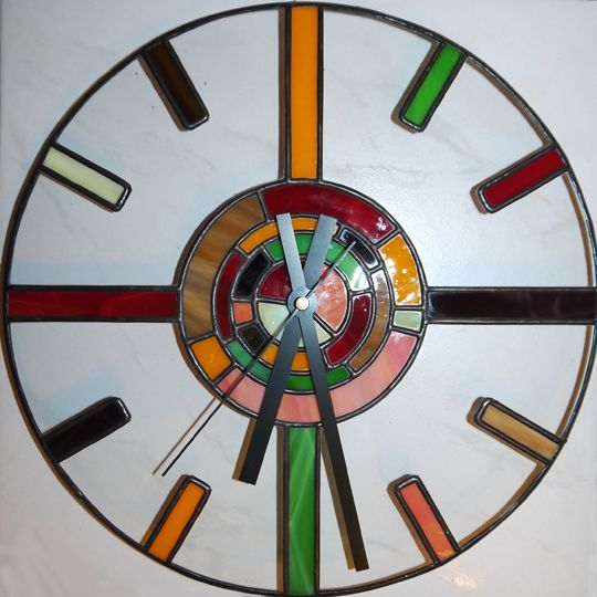 Stained glass wall clock vitrail stained glass for Fused glass wall clocks