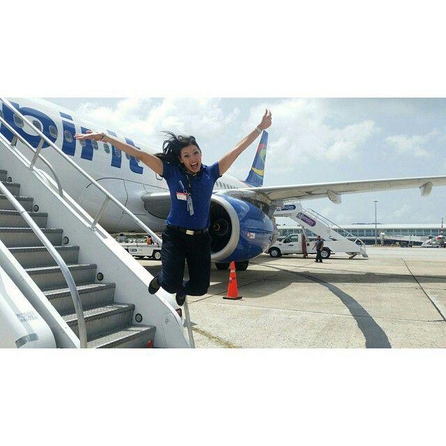 Spirit Airlines stewardess crewfie @dalmi7a