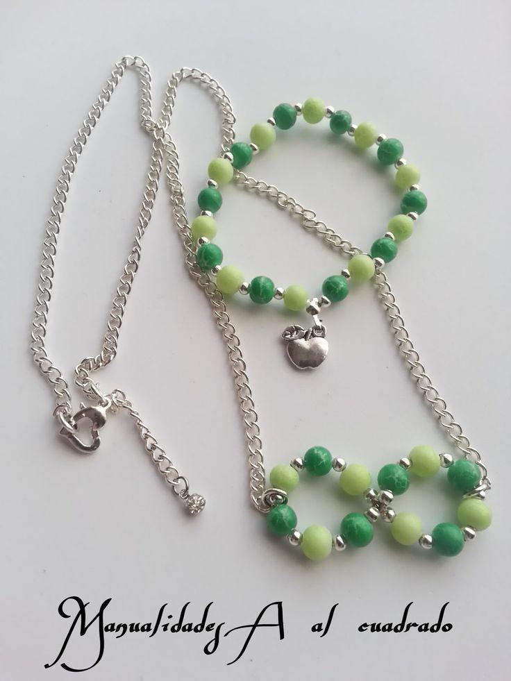 Conjunto de pulsera y collar en tonos verdes. manualidadesaalcuadrado.com