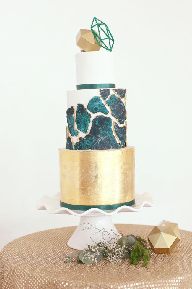 Geometric Vogue Wedding Inspiration | SouthBound Bride | southboundbride.c... | Credit: Hello Love Photography