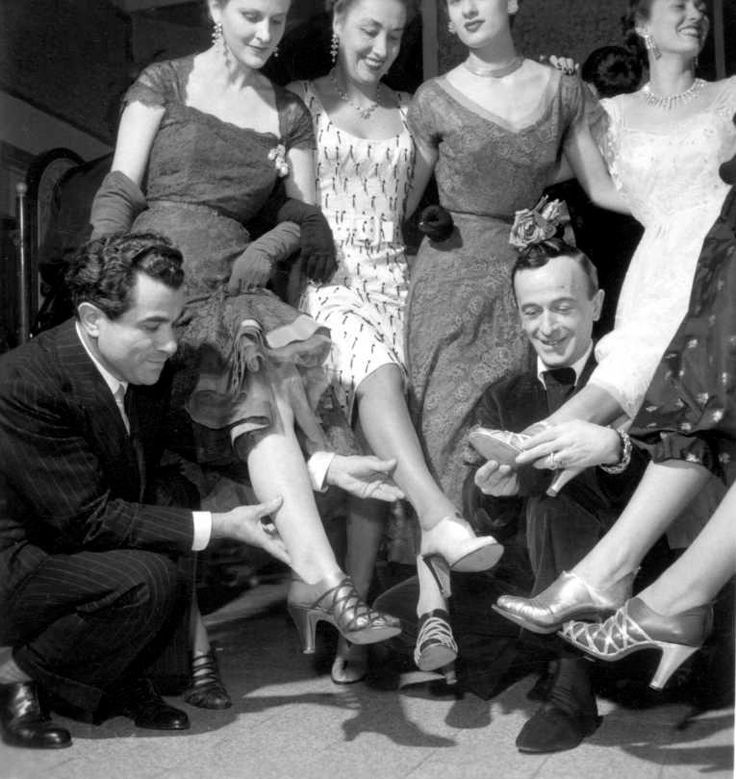 """1951: During the first Italian fashion show in Florence, Salvatore Ferragamo launch """"kimo"""", a sandal with an interchangeable ankle-sock."""
