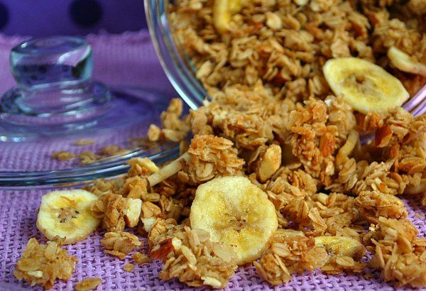 Homade Granola out of Jar