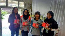 2015年 マレーシアの女の子たち制作