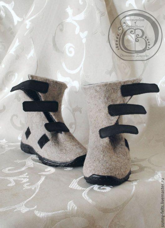"""Обувь ручной работы. Ярмарка Мастеров - ручная работа. Купить """"Кий я!"""" - сапоги из войлока для мальчика. Handmade. Серый, войлок"""