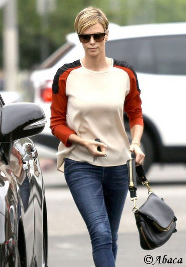 After the film 'Mad Max' Charlize Theron in New Short Haircut Short Length Regrowth! Charlize Theron: The short cut regrowth! Trouble getting used to her new short haircut and a few inches more hair