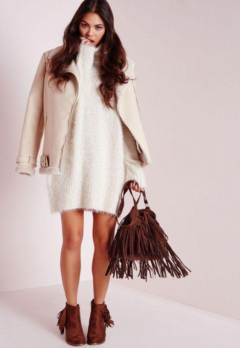 MISSGUIDED robe-pull en laine poilue blanche col roulé