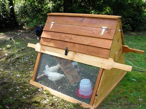 Portable chicken coops on wheels plans free portable for Diy movable chicken coop