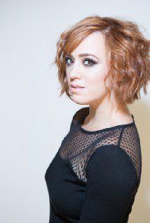 Andrea Bowen was born on March 4, 1990 in Columbus, Ohio, USA - IMDb