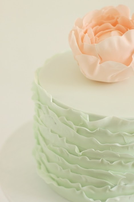 peach and mint ruffle cake