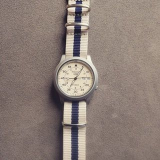 [Seiko] SNK803 with beige and navy blue NATO strap : Watches