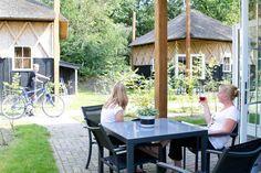 Slapen in een Hooikiep, de drentse benaming voor hooiberg, dat kan in het mooie plaatsje Norg in de Kop van Drenthe. Op Camping de Norgerberg zijn deze 'Hooikiepen', die in vroeger tijden werden gebruikt voor de opslag van hooi, koren of stro zijn omgebouwd tot sfeervolle vakantiehuisjes. #origineelovernachten #officieelorigineel #reizen #origineel #overnachten #slapen #vakantie #opreis #travel #uniek #bijzonder #slapen #hotel #bedandbreakfast #hostel #camping #kids