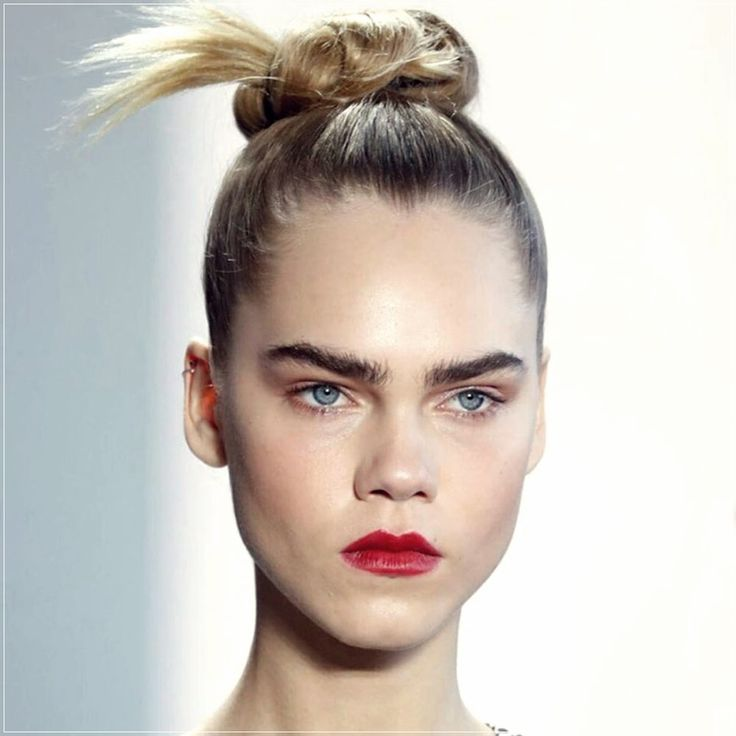 Hair fall winter 2020 2021: trendy looks from the fashion showsShort and Curly Haircuts in 2020 ...