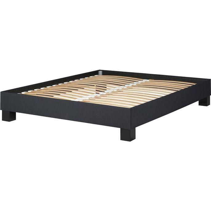 Twee persoonbed met houten antraciet ombouw, houten blokpoten en inclusief 2 lattenbodems. De matrasmaat van het bed is 160 x 200 cm. Exclusief matrassen en bedtextiel.