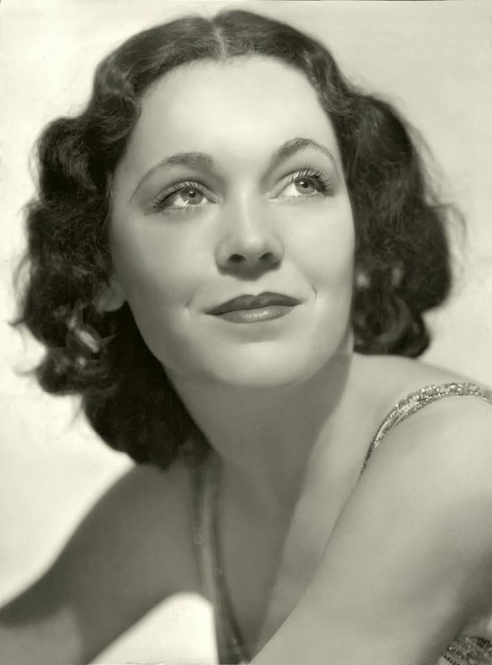Remembering Maureen O'Sullivan who died on June 23, 1998 aged 87 RIP In 1932, O'Sullivan signed a contract with MGM. After several roles there and at other studios, she was chosen by producer Irving Thalberg to appear as Jane Parker in Tarzan the Ape Man, opposite Johnny Weissmuller.