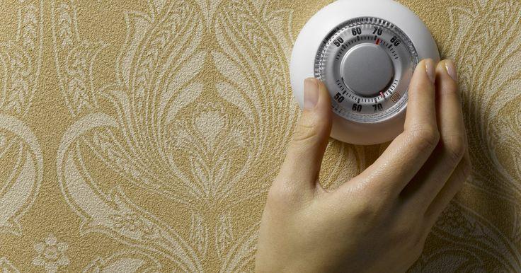 Como instalar um interruptor dimmer de luz em um ventilador de teto. A instalação de um interruptor dimmer de luz em um ventilador de teto é uma ótima maneira de criar um clima na sua casa. Os dimmers permitem que você altere a intensidade do brilho de uma lâmpada, deslizando um interruptor localizado na sua parede. Os interruptores dimmer são baratos e podem ser encontrados em muitas lojas de itens para a casa. ...