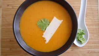 Crème aux 4 poivrons et gouda fumé #recettesduqc #soupe #potage #poivron #fromage